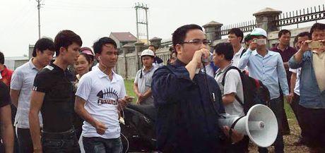 Linh muc Dang Huu Nam da lam gi o giao xu Phu Yen? - Anh 2