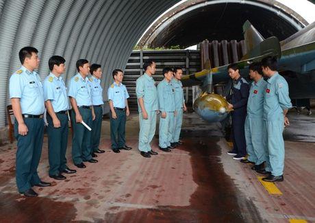 Su-22 Viet Nam thanh sat thu danh bien sau nang cap - Anh 2