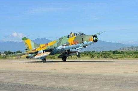 Su-22 Viet Nam thanh sat thu danh bien sau nang cap - Anh 9