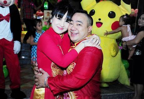 Phi Thanh Van be con den mung sinh nhat cong chua nho nha Hieu Hien - Anh 2