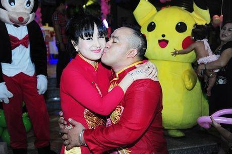Phi Thanh Van be con den mung sinh nhat cong chua nho nha Hieu Hien - Anh 3