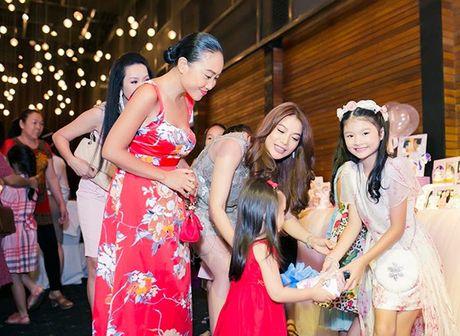 Truong Ngoc Anh va Tran Bao Son to chuc sinh nhat hoanh trang cho con gai - Anh 10