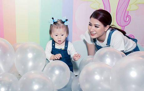 Truong Ngoc Anh va Tran Bao Son to chuc sinh nhat hoanh trang cho con gai - Anh 12