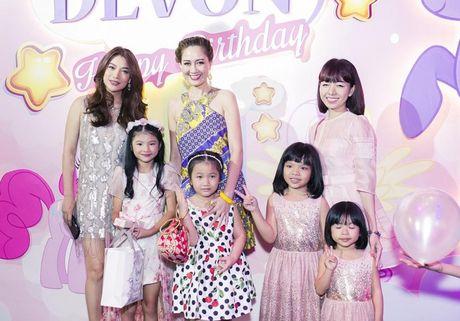 Truong Ngoc Anh va Tran Bao Son to chuc sinh nhat hoanh trang cho con gai - Anh 14