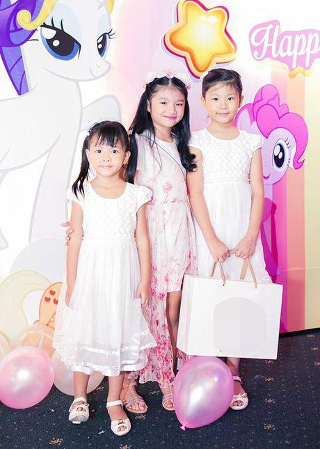 Truong Ngoc Anh va Tran Bao Son to chuc sinh nhat hoanh trang cho con gai - Anh 8
