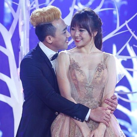 Trai qua bao song gio va cai ket dep cho Hari Won - Tran Thanh - Anh 3