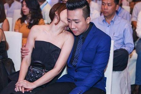 Trai qua bao song gio va cai ket dep cho Hari Won - Tran Thanh - Anh 7