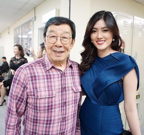 Nguoi dep 9X Huynh Tien xinh dep ben dan sao noi tieng TVB - Anh 2
