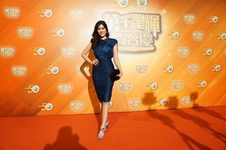 Nguoi dep 9X Huynh Tien xinh dep ben dan sao noi tieng TVB - Anh 3