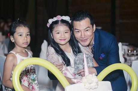 Truong Ngoc Anh va Tran Bao Son 'tai hop' vi con gai - Anh 4