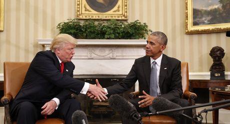 Tong thong Obama: The gioi hay cho ong Trump chut thoi gian - Anh 1