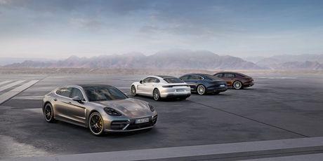 Porsche Panamera Executive va 911 RSR trinh lang tai Los Angeles Auto Show 2016 - Anh 1