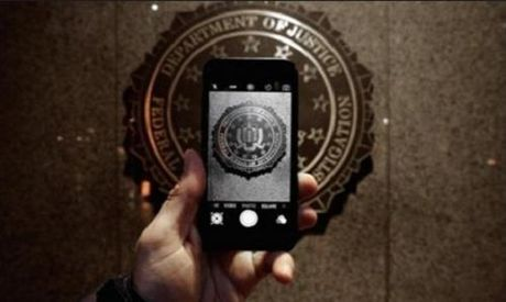 Tong thong Donald Trump se ban hanh luat cho phep mo khoa bat ky iPhone nao? - Anh 2