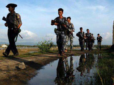 Cong dan Trung Quoc bi trung 'dan lac' o Myanmar - Anh 1