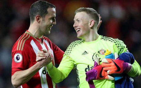 Doi hinh xuat sac nhat vong 12 Premier League: Costa duoc vinh danh - Anh 2