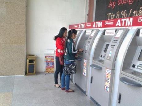 Khach hang bi rut mat 100 trieu dong: Agribank thua nhan - Anh 1