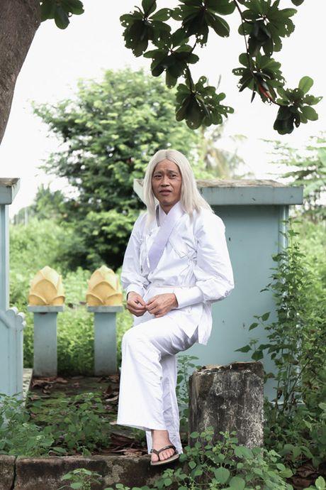 Hoai Linh gay bat ngo voi vai ong gia danh hanh kho tinh - Anh 3