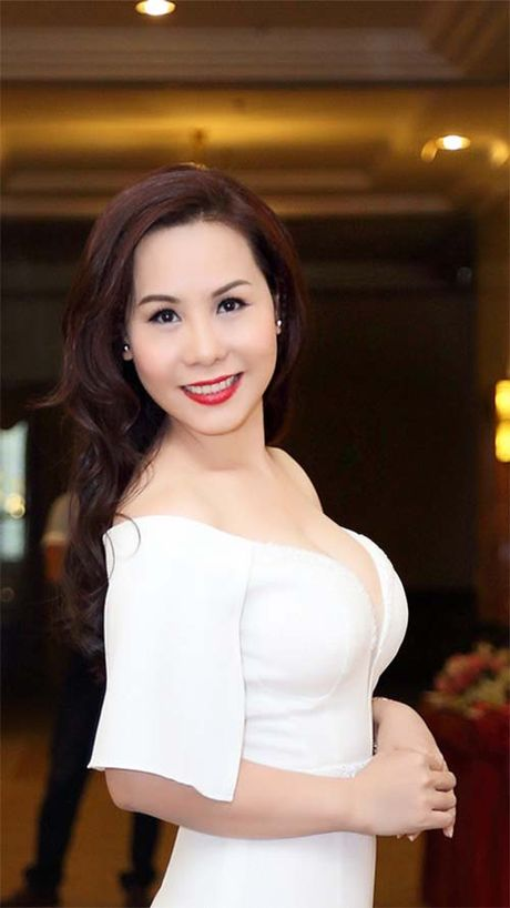 Nu hoang Doanh nhan Kim Chi khoe dang hut mat - Anh 2