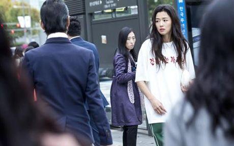"""Huyen thoai bien xanh"" tap 3: Lee Min Ho mat tri nho, Jun Ji Hyun lang thang - Anh 3"