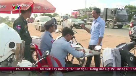 Campuchia no luc giam tai nan giao thong - Anh 1