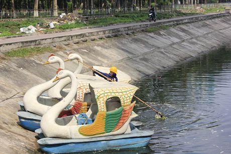 Hi huu o Ha Noi: Bao cao su noi trang goc ho Linh Dam - Anh 5