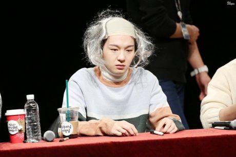 Fansign cua BTOB - noi ca fan lan idol chung minh do 'lay loi' - Anh 1
