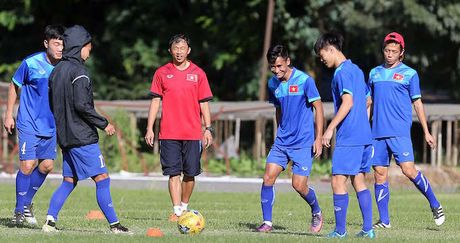 Phong vien nuoc ngoai chi ra diem yeu tuyen VN, kho thang Malaysia - Anh 1