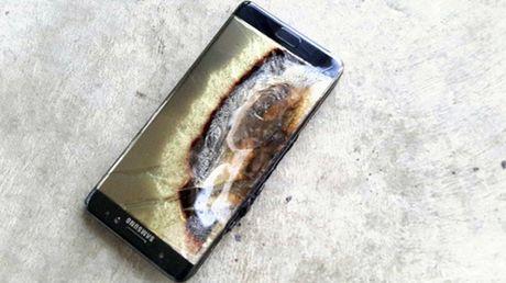 Khong ai thuc su quan tam ve viec dien thoai cua Samsung phat no - Anh 1