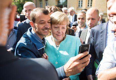 'Cuoc chien' cuoi cung cuu nuoc Duc va EU cua ba Merkel - Anh 2