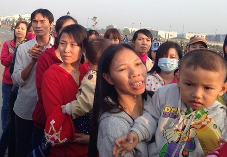 Tang 6.000 tam ve xe nghia tinh cho cong nhan ve que don Tet - Anh 1