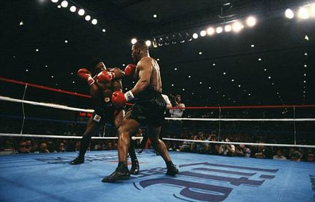 """30 nam cu knock-out dua Mike Tyson thanh """"Than"""" - Anh 3"""