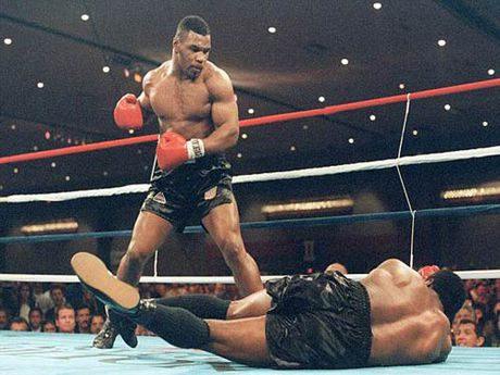 """30 nam cu knock-out dua Mike Tyson thanh """"Than"""" - Anh 4"""