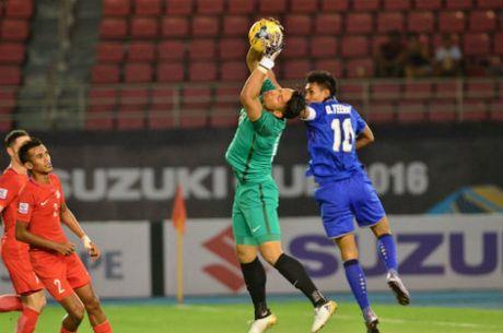 Thai Lan - Singapore: Nguoi hung tu ghe du bi (AFF Cup) - Anh 1