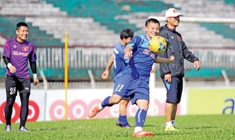 Tuyen Viet Nam san sang cho tran gap Malaysia - Anh 1