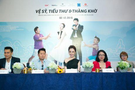 Bang Kieu, Angela Phuong Trinh hoi ngo trong buoi ra mat phim - Anh 12