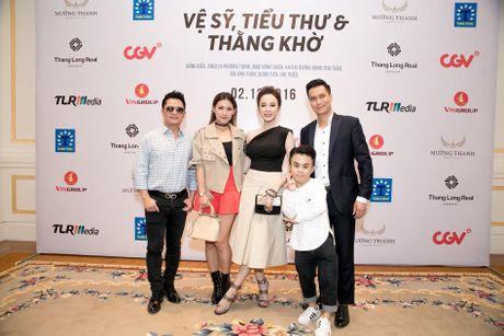 Bang Kieu, Angela Phuong Trinh hoi ngo trong buoi ra mat phim - Anh 9