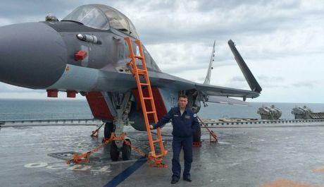 He lo nguyen nhan MiG-29K Nga roi xuong bien: Dut cap, tat dong co - Anh 3