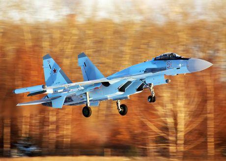 Nga dua them 4 chiec Su-35S den Syria - Anh 1