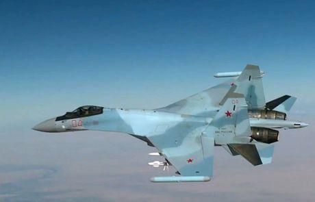 Nga dua them 4 chiec Su-35S den Syria - Anh 3