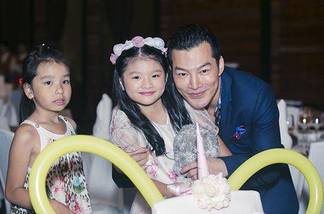 Truong Ngoc Anh - Tran Bao Son cung to chuc sinh nhat cho con gai - Anh 11
