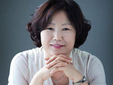Tac gia 'Co ga mai xong chuong' den Viet Nam - Anh 1