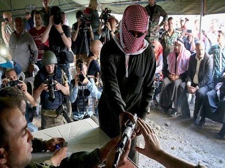 Syria: Them 5 thi tran co phien quan chap nhan tu bo cuoc chien chong chinh phu - Anh 1