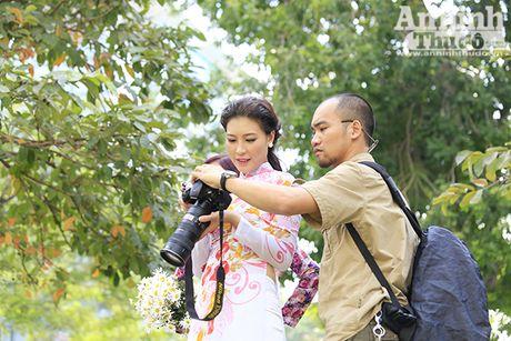 Say long hinh anh thieu nu Ha Thanh diu dang ben cuc hoa mi - Anh 14