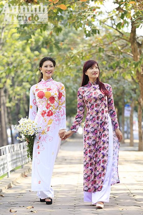 Say long hinh anh thieu nu Ha Thanh diu dang ben cuc hoa mi - Anh 5