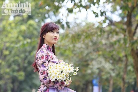Say long hinh anh thieu nu Ha Thanh diu dang ben cuc hoa mi - Anh 9