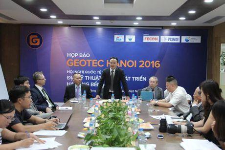 Geotec Hanoi 216: Rut ngan khoang cach cong nghe cong trinh ngam giua Viet Nam va the gioi - Anh 1