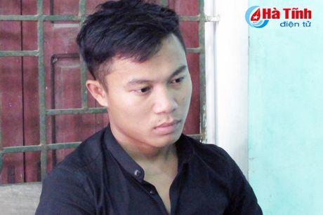 Nghi pham dam chet nguoi tai quan karaoke o Nghi Xuan ra dau thu - Anh 1