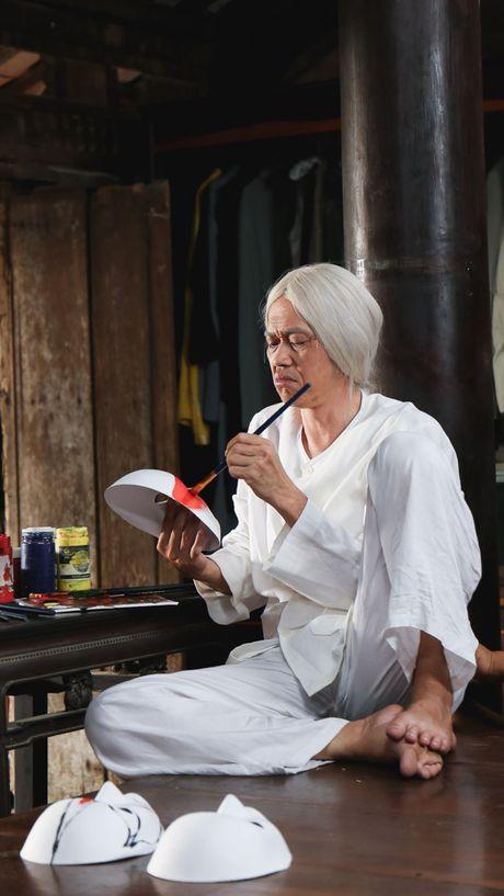 "Hoai Linh bat ngo ""dau toc bac pho"" - Anh 4"