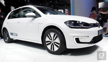 Volkswagen se thay the 30.000 nhan cong bang... robot - Anh 1