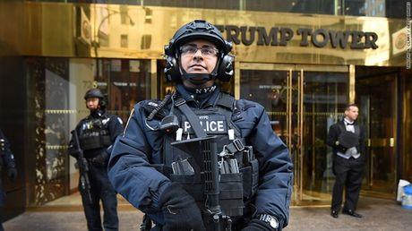 New York chi hon 1 trieu USD/ngay de bao ve gia dinh Trump - Anh 2